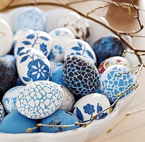 Mosaic Egg Decoration